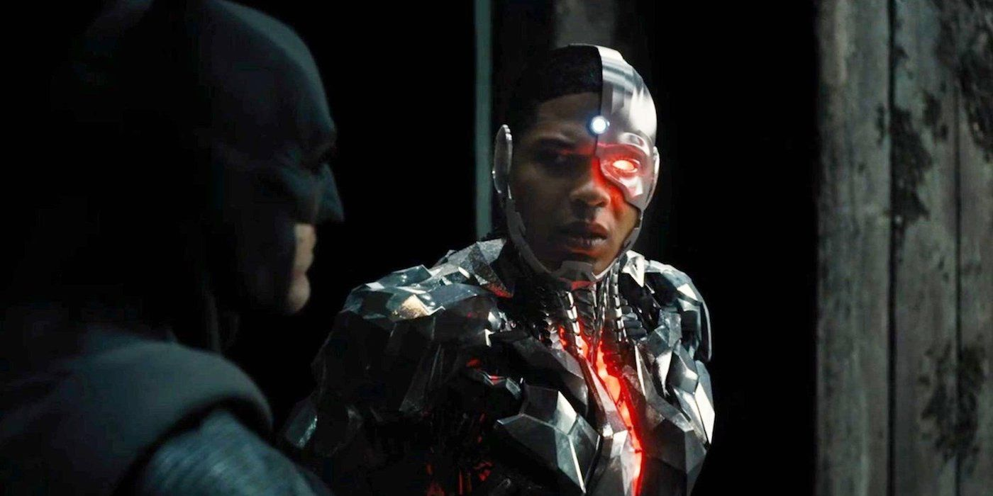 Justice League's Ben Affleck & Ray Fisher Reunite at Celebrity Fan Fest