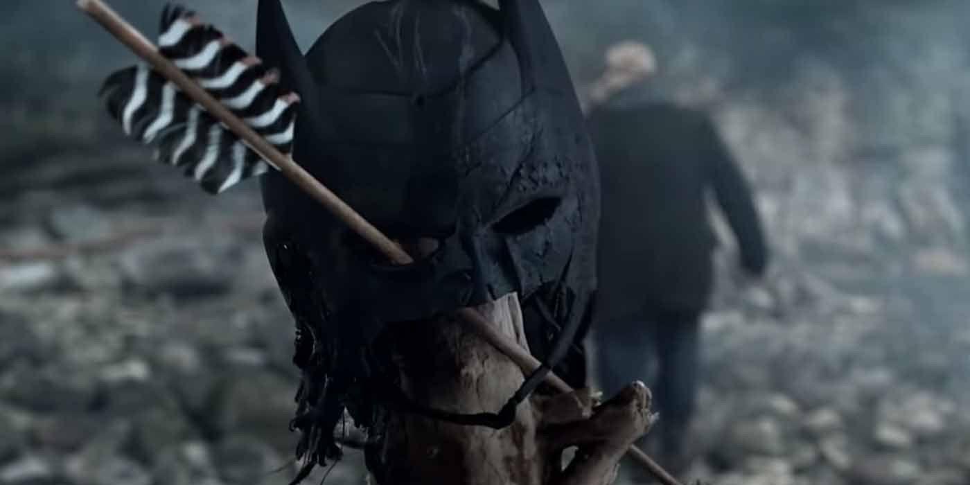 Arrow Season 8 Promo Teases a Return to the Premiere - And Batman's Cowl?