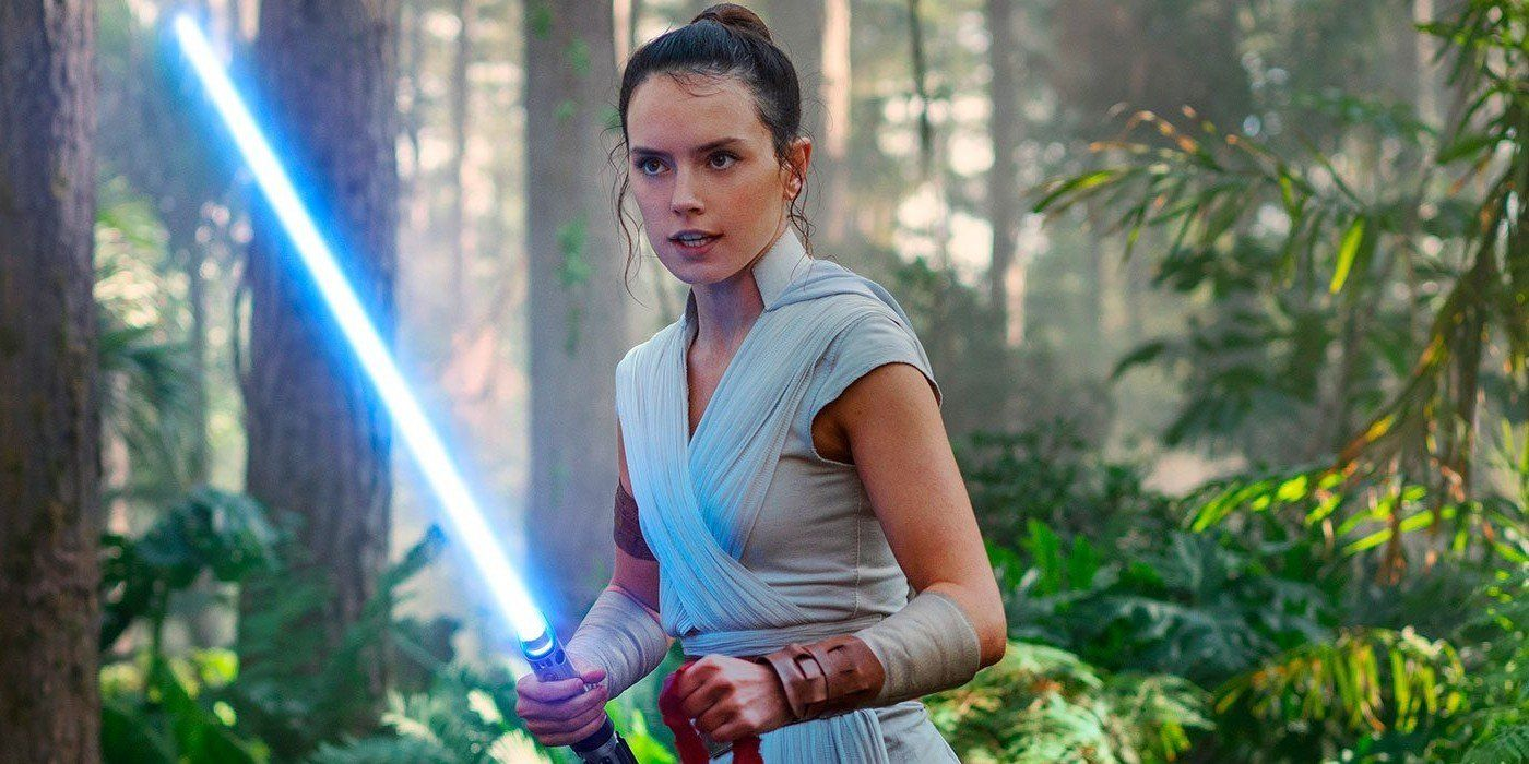 Star Wars Rise Of Skywalker Book Addresses Rey S Lightsaber Plot Hole
