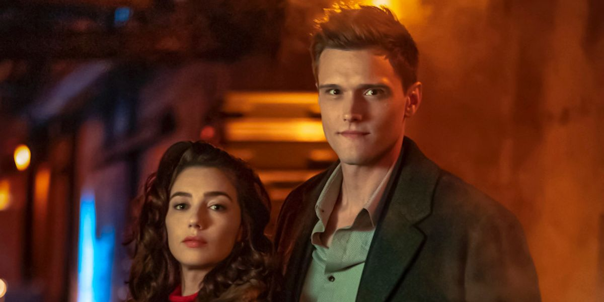 The Flash: The Future Sue Dibny Makes Her Debut in New Photos