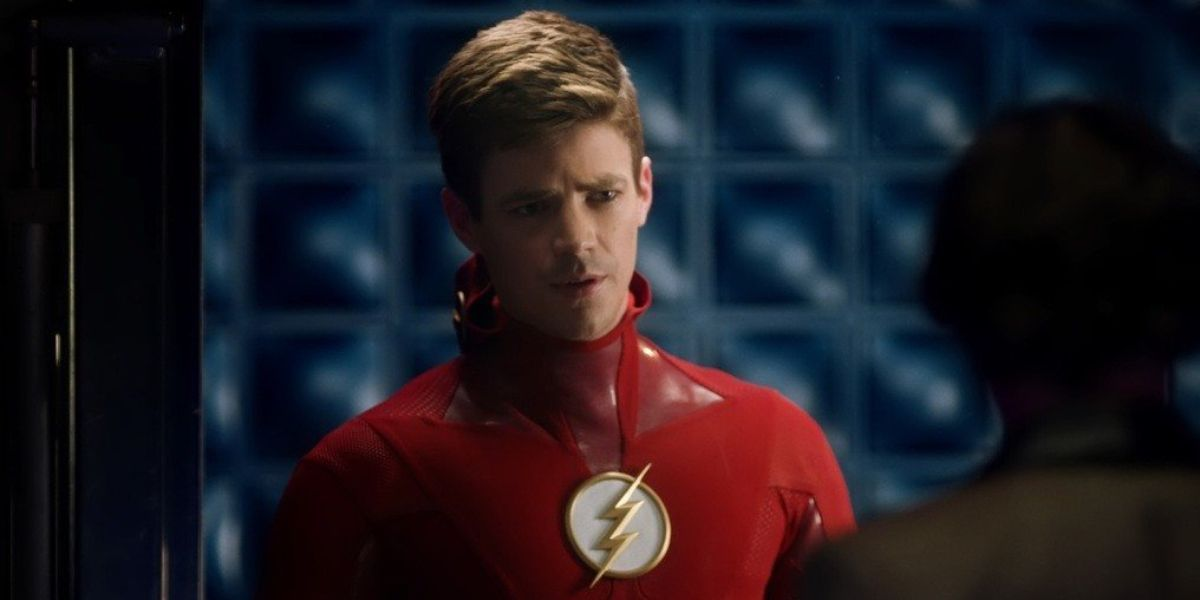 The Flash Gustin Dons Black Suit In Bts Photo Cbr