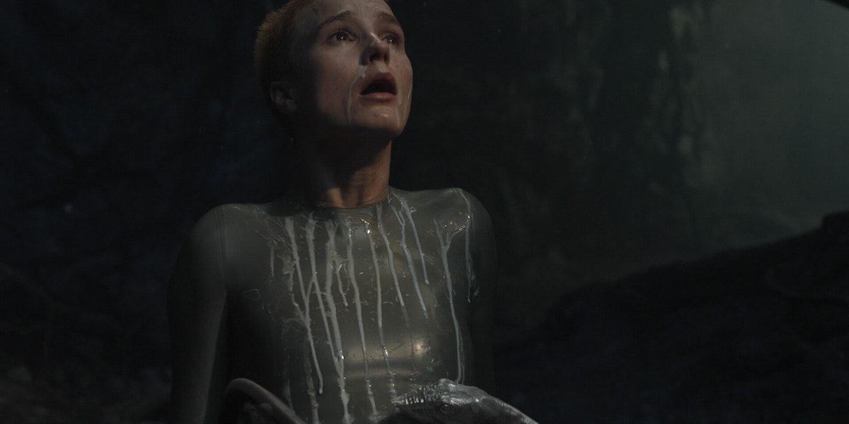 Raised by Wolves: A mãe dá à luz um destruidor MONSTROUS 1