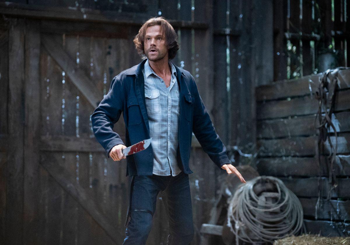 """Supernatural - """"Carry On"""" - Número da imagem: SN1520A_0457r.jpg - Na foto: Jared Padalecki como Sam - Foto: Cristian Cretu / The CW - © 2020 The CW Network, LLC. Todos os direitos reservados."""
