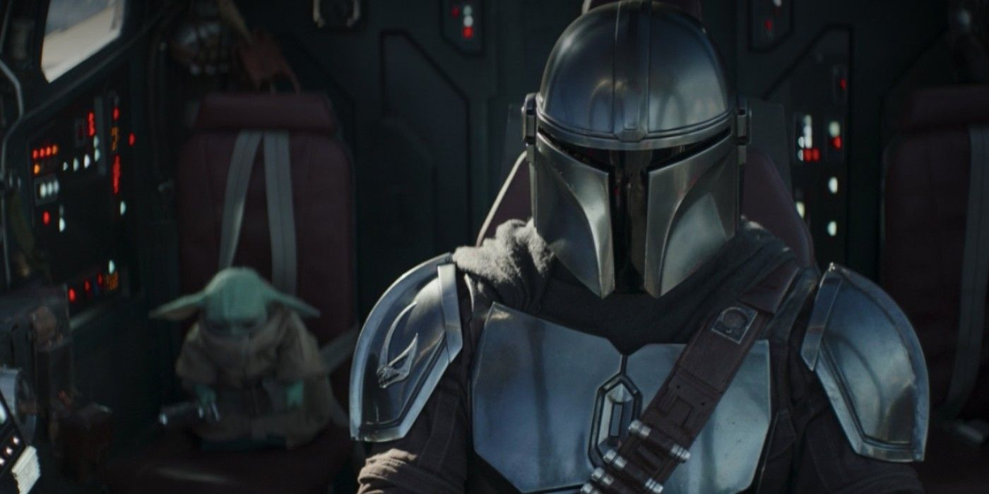 The Mandalorian's Pedro Pascal Squashes Rumors He Doesn't Want to Wear His Helmet