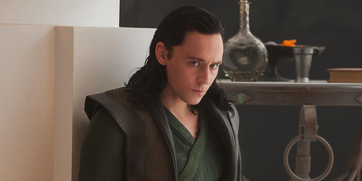 Tom Hiddleston 'Accuses' Paul Bettany of Stealing Loki's Gimmick