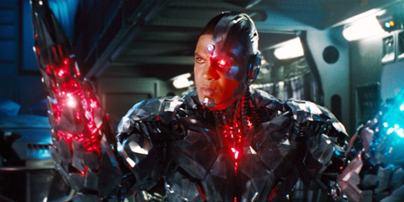 Cyborg is Vital to Justice League's Story, Promises Zack Snyder
