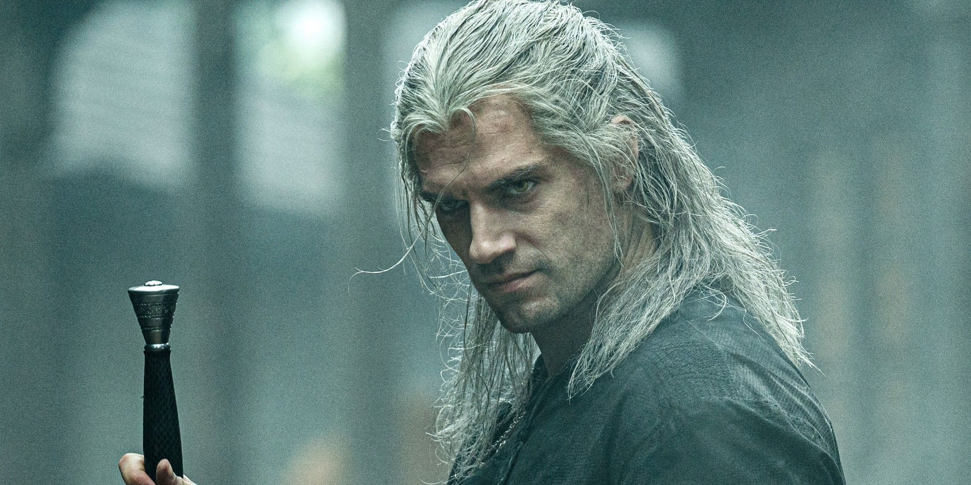 The Witcher's Henry Cavill Asks Fans Not to Troll His Relationship