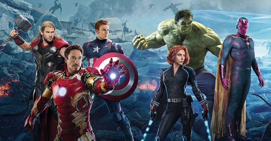Parodie Avengers Deadpool et Spider-Man : Un l/éger probl/ème de Conception au Niveau du Masque. French Days Bodys Avengers parodique Batman